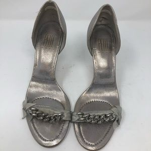 Women's Pelle Moda silver chained sandals 6 1/2m